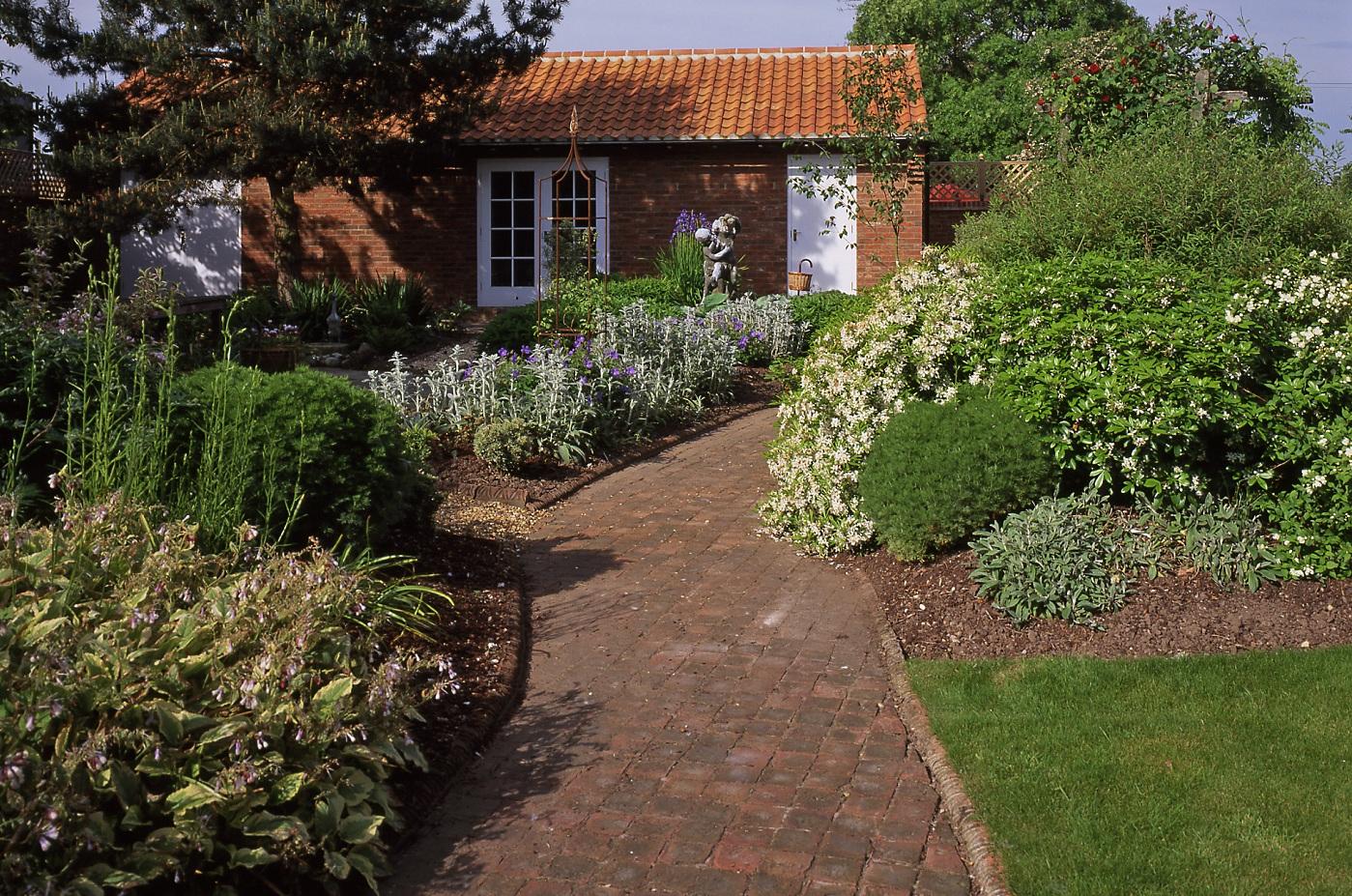 Cobbles | landscape | garden | York Handmade Bricks